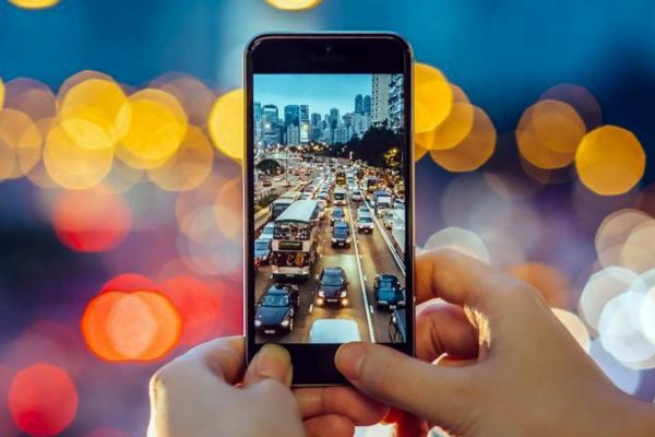 best camera mobile under 20k